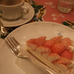 キル フェ ボン - 特選 白イチゴ~初恋の香り~のタルト イートイン