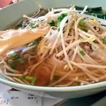 50792779 - 四条パクチーのタイラーメン中麺で(16'01)