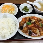 中華料理翔龍 - 酢豚定食(800円)
