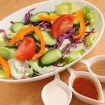 レストラン ミーク - フレッシュ野菜サラダ