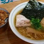 ひかり食堂 - 中華そば650円と豚めし小200円 計850円《2016年5月》
