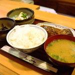 のれん - さばみそ煮定食