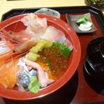 50800544 - 海鮮丼