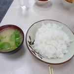 赤のれん - ご飯がてんこ盛りです…^^;