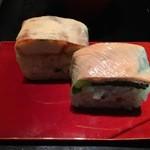 一如庵 - 季節の箱寿司:油揚げと大和真菜・筍