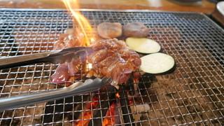 ろばたやき山ろく - 地鶏焼き(たれ)