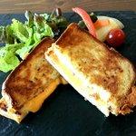 軽井沢ベジビエ - 究極のメルトチーズサンド