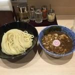 頑者製麺所 - つけ麺830円 中濃 魚介豚骨スープ、昔このブームの時期があったな。久々食す極太麺