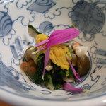 5083074 - 先付 菊菜とシメジの浸し。