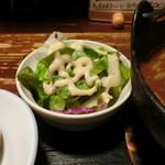 食い飲み屋 BUN - 牛スジ煮込み定食のサラダ