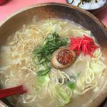 博多ラーメン天外天 - 長崎ちゃんぽんセットd(^_^o) ちゃんぽん+ライスで、辛子高菜は盛り放題(笑)