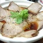 DOOMO - 料理写真:土鍋らあめん炙りチャーシューしょうゆ 1000円 2016.5