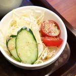 ハイナン チキン - サラダです (^_^)v