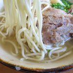 石垣島料理丸八 - 八重山ソーキそばの麺