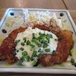 50846338 - 週替わりのメイン料理は鶏のヒレカツ南蛮、柔らかい脂身の少ない鶏肉の南蛮です。