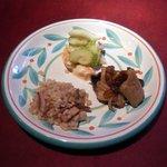 """いきましょうレストラン - 世田谷""""いきましょうレストラン""""ブリフィックスコース前菜「デリ3種盛り合わせ」横景"""