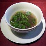 """いきましょうレストラン - 世田谷""""いきましょうレストラン""""ブリフィックスコース前菜「雑穀とクレソンのスープ」横景"""