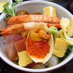 50850582 - 海鮮丼¥1750アップ 茹でエビが2尾!