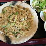 中華餃子坊 - 五目炒飯(大盛) 750円