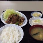 ふじみ食堂 - 豚キムチ炒め定食 850円