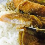 ふじみ食堂 - カツは薄めで食べやすい。