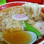 中華のカトウ - 2016年5月5日(木・祝) 中華そば(470円) 麺リフト