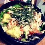 Cafe de 武 - サーモンとアボカドのどんぶり