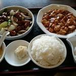 50870151 - 小籠包付き黒酢酢豚と麻婆豆腐セット