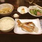 笹塚のひもの屋 - 鮭ハラスランチ☺︎