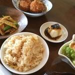 セカンドステージ - 料理写真:日替わりガッツリでカレーコロッケ最高!^_^