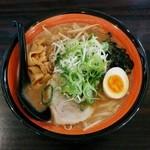 麺や 虎鉄 - 料理写真:豚そば味噌(830円)