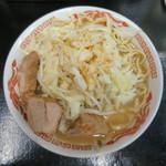 自家製太麺 ドカ盛 マッチョ - ラーメン 中315g 背脂 野菜ちょい増し