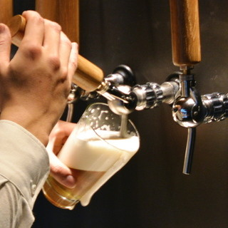 常時12種類の樽生クラフトビール専門店♪