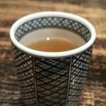 麻布 川上庵 - 食後の温かい蕎麦茶。