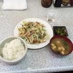 吉兆 - 肉野菜炒め定食850円