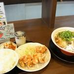 丸髙家 - 料理写真:いただいた20食限定ランチセットです、魚介醤油ラーメンと唐揚げのセットです