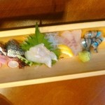 まるよし食堂 - お刺身5種盛