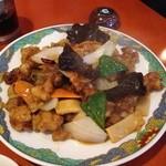 彩雲 - 料理写真:鶏肉のピリ辛炒め