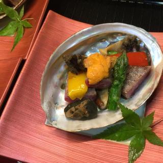 季節・旬の食材を厳選して仕入れてます。自慢の和食。