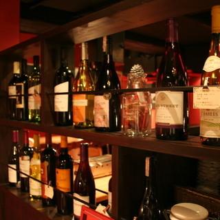 ■ワインを中心にボトル2800円~お気軽に楽しめる料金で