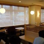 バイキングレストラン志高 熊本荒尾店 - 店内