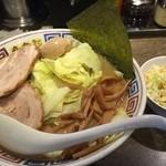 50910767 - とんこつキャベツラーメン(850円)+サラダ