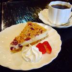50916851 - フルーツグラノーラのチーズケーキ+コーヒー