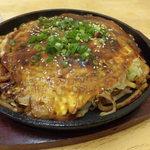 鉄馬 - 料理写真:肉玉うどん650円