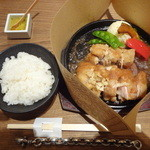 とり田 - チキンジンジャーステーキ(\880+税)