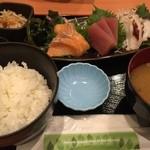 魚民 - ランチの刺身定食〜!