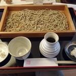 まる貴そば - 板そばの細麺700円