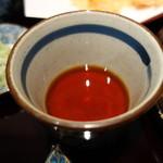 夢想庵 - 淡い色味の辛汁