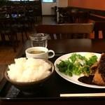 Cafe & Kitchen 米米食堂 - ミンチカツ定食700円です、ご飯は大盛り(無料)