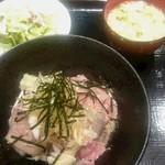 50927767 - 黒毛和牛贅沢ローストビーフ丼